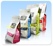 1.5Kg Quad Seal Zipper Bag for pet food packaging.